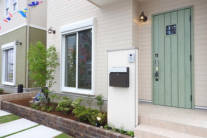 建売住宅の玄関